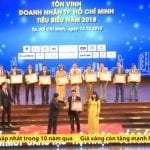 Ông Lê Việt Hùng – GĐ Cty TNHH Thành Hưng đón nhận Danh hiệu Doanh nhân TPHCM tiêu biểu 2018